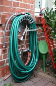 Gartenschlauch-Halterung