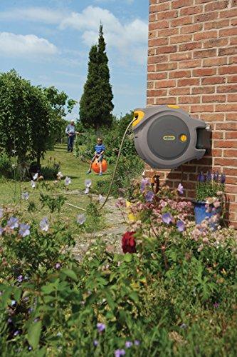 komfortable Gartenbewässerung mit Schlauchbox von Hozelock